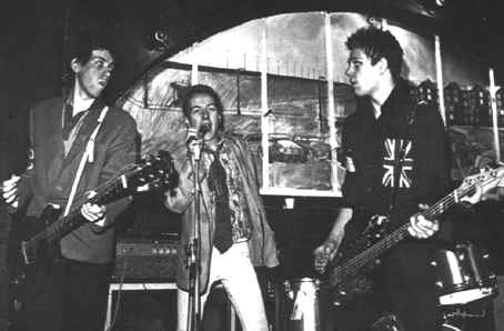 http://www.theclash.org.uk/images/01groupescan04.jpg